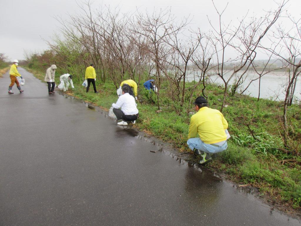 となみセントラルライオンズクラブ アクティビティ 庄川河川敷清掃 2021年の様子
